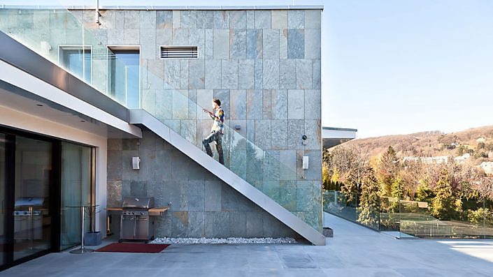 Fassade Naturstein Platten