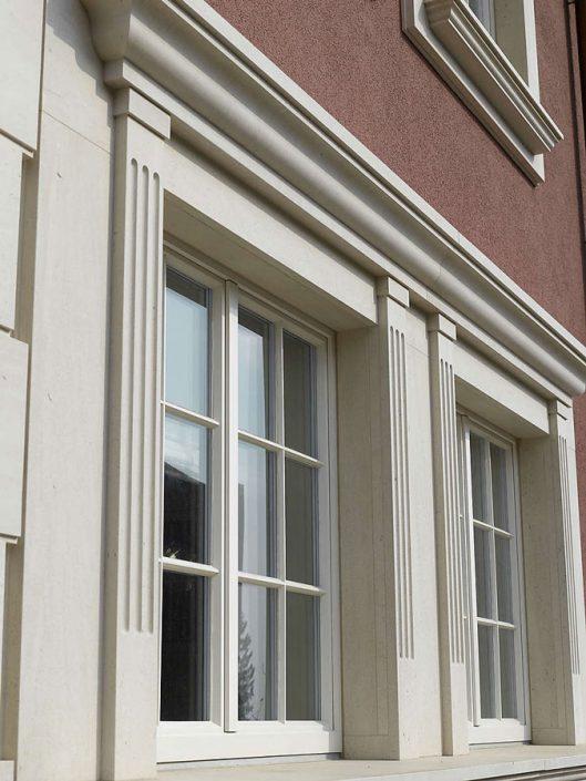 Fensterumrandung aus Stein
