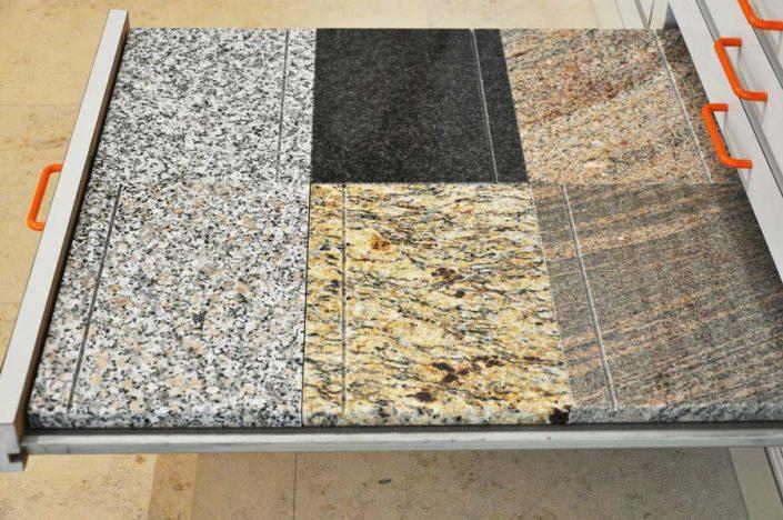 Fensterbank Granit und Marmor - Muster in unserem Schauraum