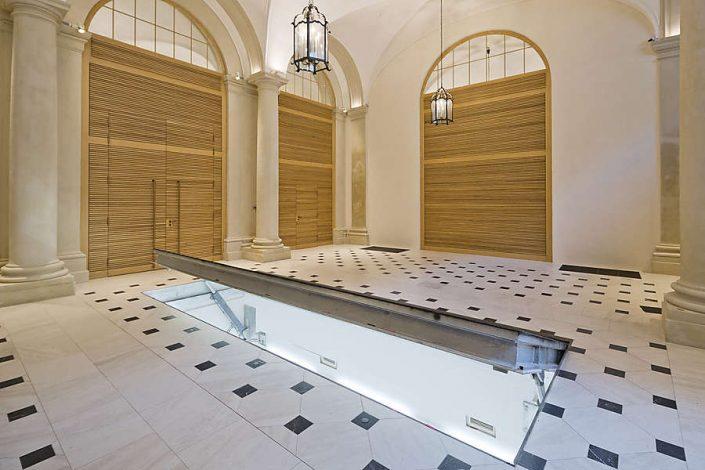 Restaurierung Boden Palais Lichtenstein - mit belegtem Deckel zum Archiv